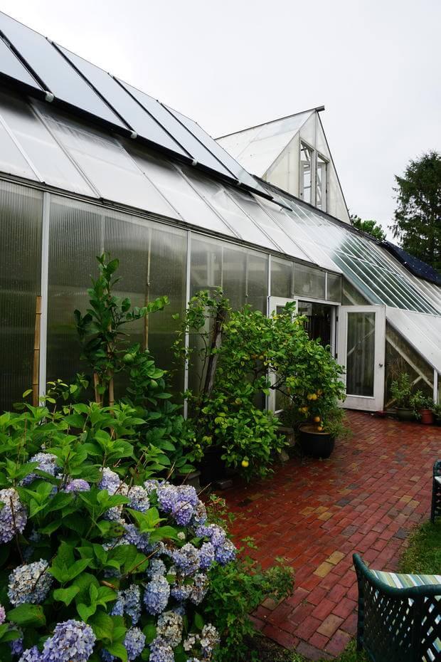 گلخانه در تابستان